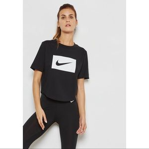 NEW Nike Sz XL Swoosh Logo Crop Top Black T-Shirt